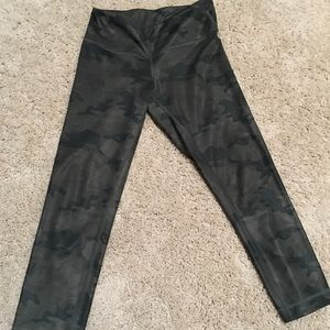 First generation Camo lulu pants cropped